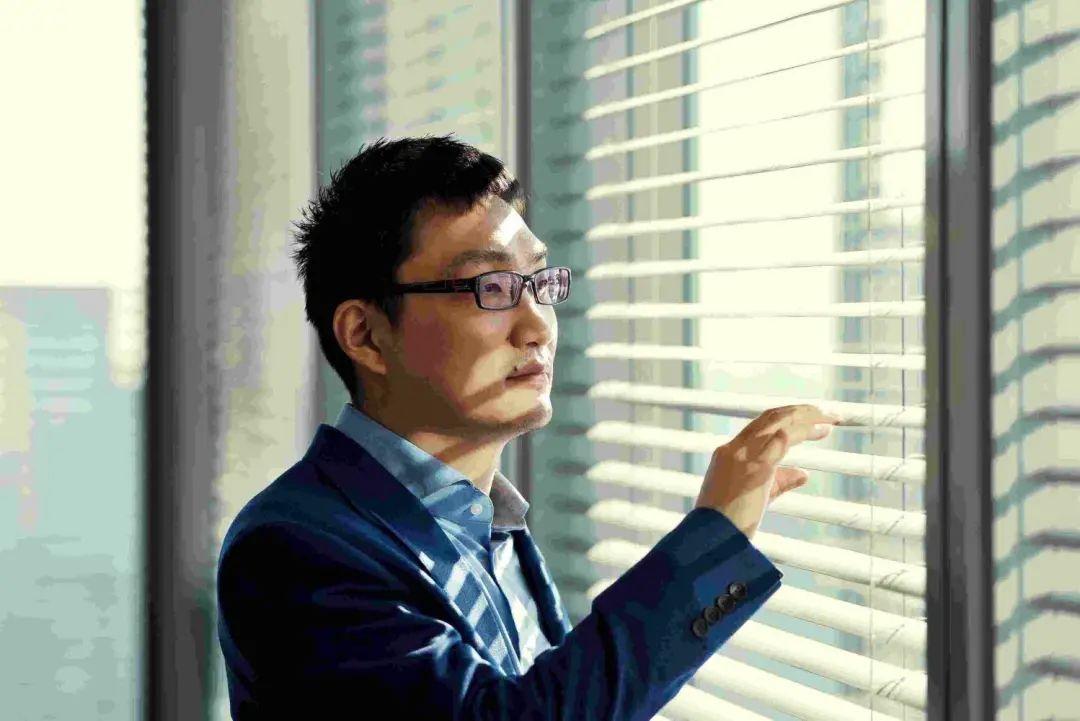 国内电商新巨头诞生:只用三年超越京东,备受争议却圈粉3亿